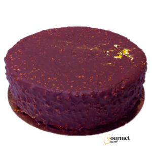 GourmetSucré vous propose le rocher, un entremets composé d'une base meringuée cacao, d'une moelleuse génoise cacao, d'une onctueuse mousse au chocolat 70% cacao et d'un glaçage croquant chocolat noisette.